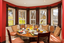 steamboat_victorian_b&b_breakfast_nook