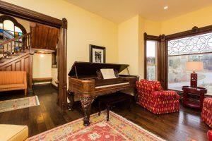 ck_VBB_living room piano-4