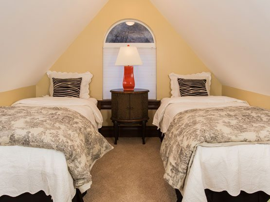 steamboat_suites_summit_beds