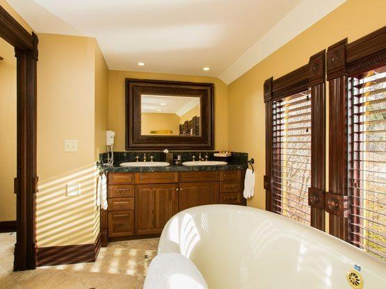 valley_view_room_bathroom