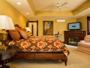 valley_view_room_bed